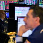 <b>La incertidumbre del estímulo mantiene a Wall Street bajo control; Disney se dispara</b>